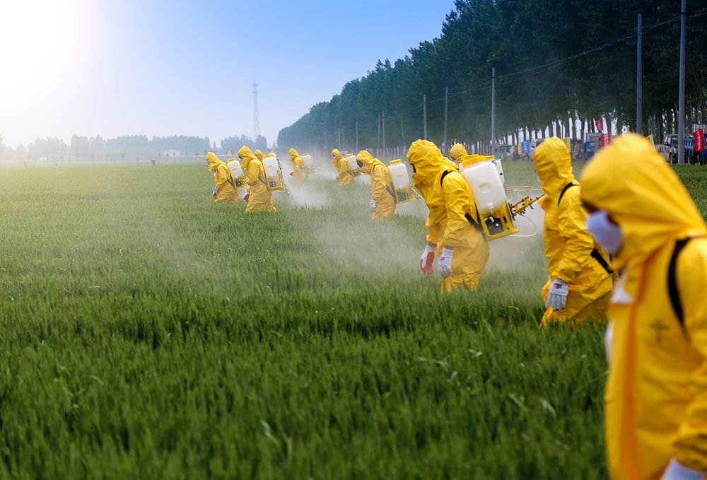 sprayingpesticides