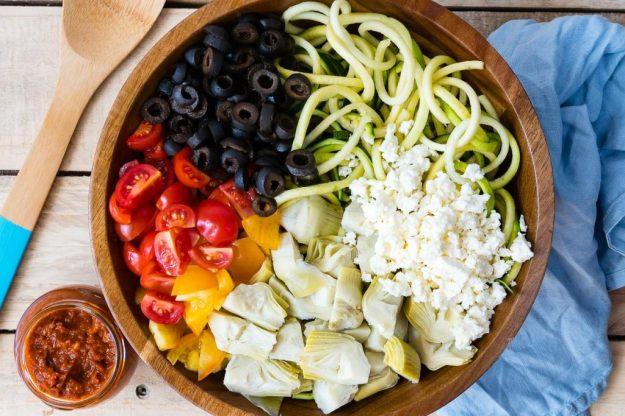 Mediterranean-Zucchini-Noodle-Salad--1024x683